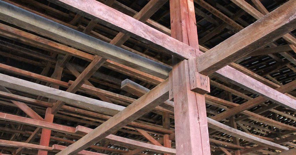 Cross beams inside the wooden barn